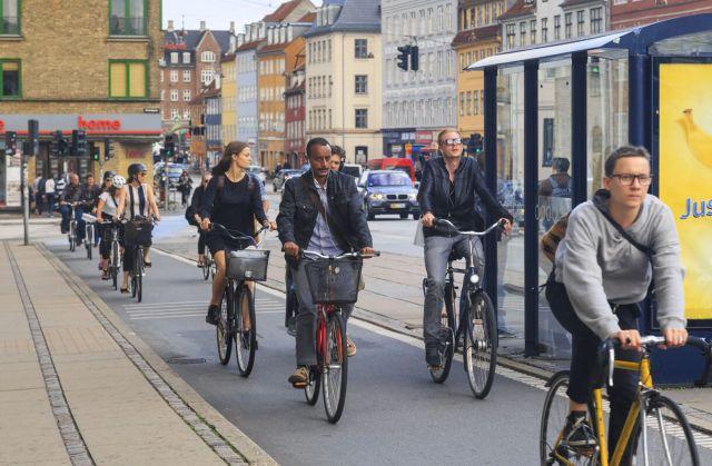 cycling-traffic-copenhagen-3-large